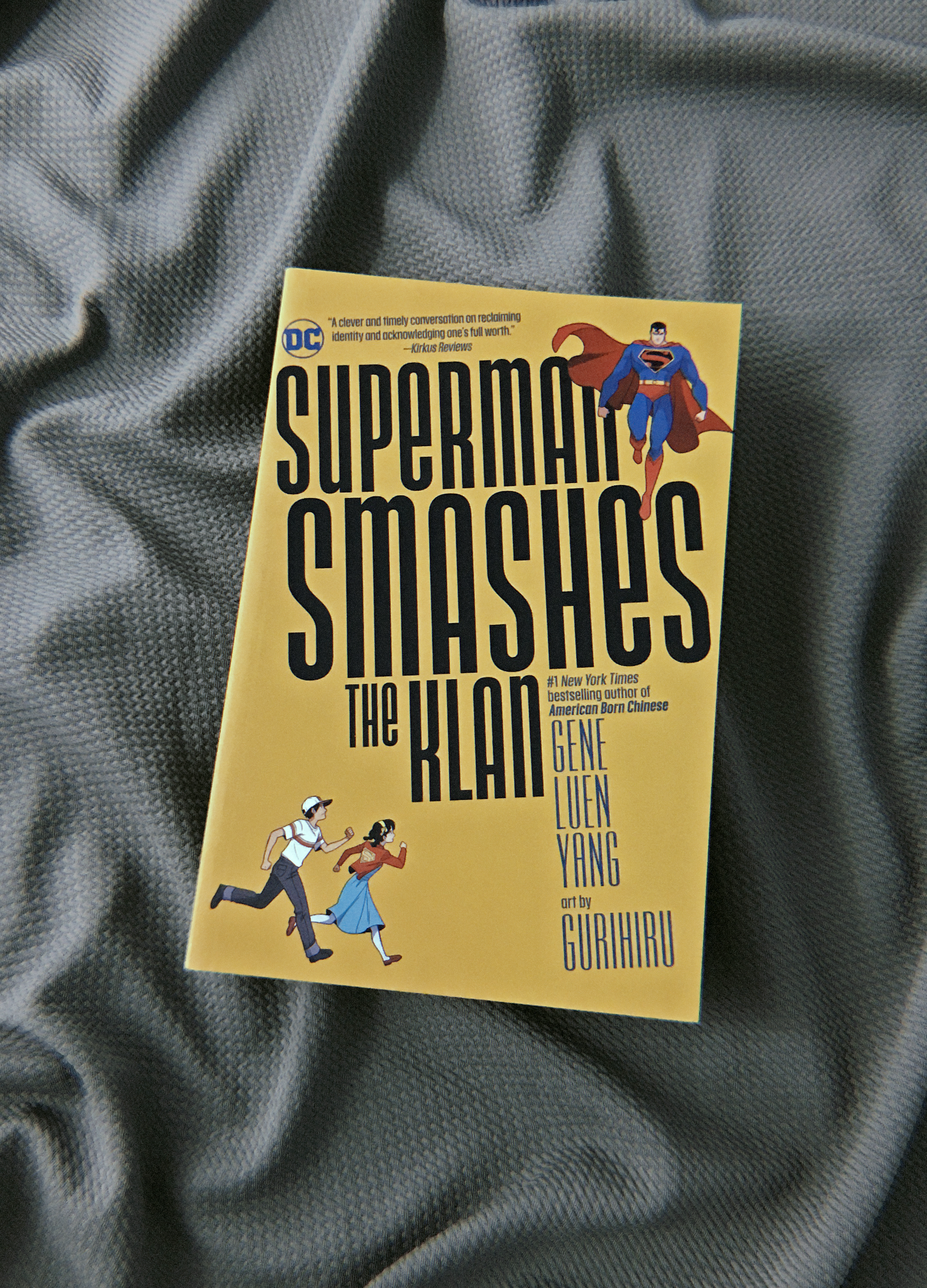 superman smashes the klan - gene luen yang, gurihiru
